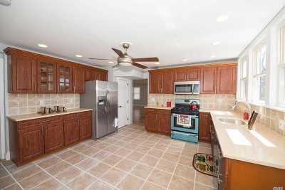 Baldwin Single Family Home For Sale: 31 Eastern Pky