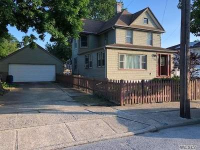 Baldwin Single Family Home For Sale: 712 Parsonage St