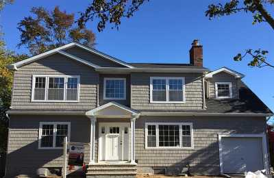 Merrick Single Family Home For Sale: 58 Brookside Ave