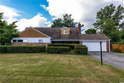 Huntington Single Family Home For Sale: 24 Cutting St