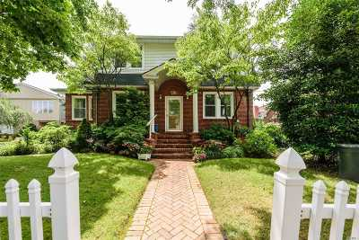 Bellmore Single Family Home For Sale: 416 Midwood Ave