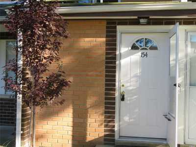 Middle Island Condo/Townhouse For Sale: 154 Artist Lake Dr