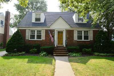 Malverne Single Family Home For Sale: 317 Ocean Ave