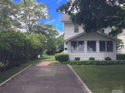 Sayville Single Family Home For Sale: 98 Greeley Ave