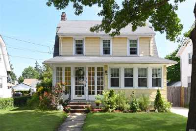 Single Family Home For Sale: 95 Vincent Pl