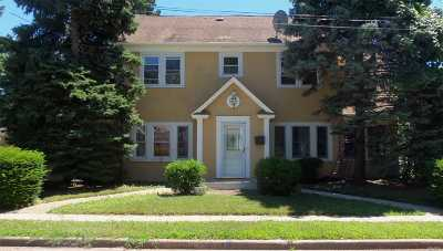 Hempstead Single Family Home For Sale: 99 Sunset Dr