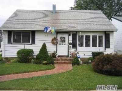 Freeport Single Family Home For Sale: 280 Westside Ave