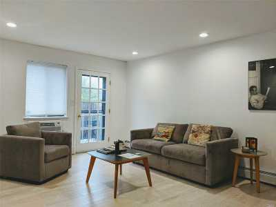 Flushing Condo/Townhouse For Sale: 36-21 193rd St