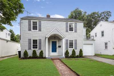 Hewlett Single Family Home For Sale: 165 Harris Ave