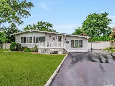 Lake Ronkonkoma Single Family Home For Sale: 8 Peter Rd