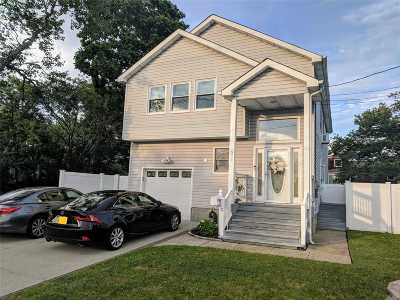 Freeport Single Family Home For Sale: 511 S Long Beach Ave