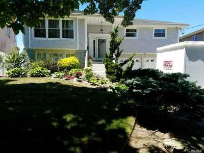 Bellmore Single Family Home For Sale: 3046 Shore Rd