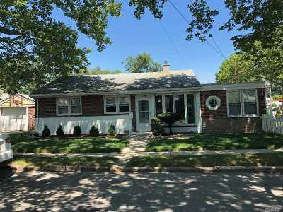 Valley Stream NY Single Family Home For Sale: $429,000