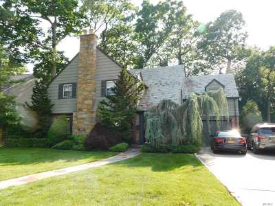 Lawrence Single Family Home For Sale: 5 Waverly Pl