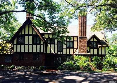 Belle Terre Single Family Home For Sale: 20 Lower Devon Rd