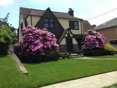Douglaston Single Family Home For Sale: 242-50 51 Ave