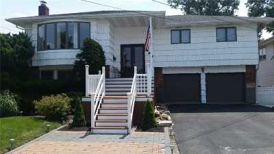 Bellmore Single Family Home For Sale: 2448 Surf Dr