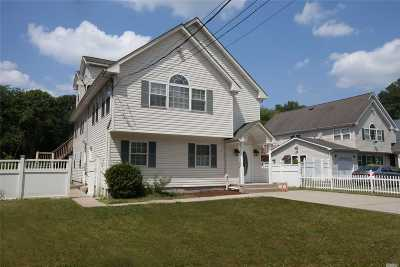 Islip Single Family Home For Sale: 1411 S Spur Dr