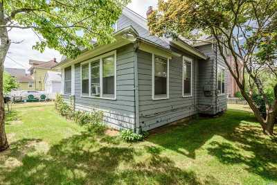 Syosset Single Family Home For Sale: 34 Nassau St