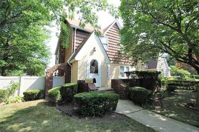 N. Baldwin NY Single Family Home Sale Pending: $399,000