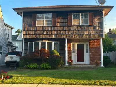 Hewlett Single Family Home For Sale: 31 Raymond Pl