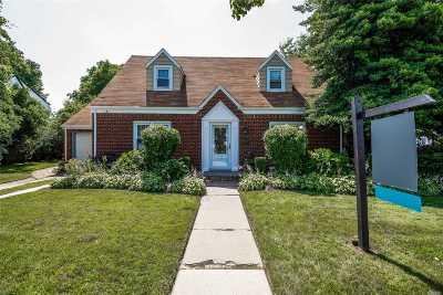 Freeport Single Family Home For Sale: 3 Radam Ct