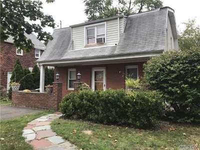 Port Washington Single Family Home For Sale: 7 Ashwood Rd