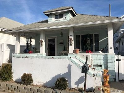 Long Beach Single Family Home For Sale: 84 Delaware Ave