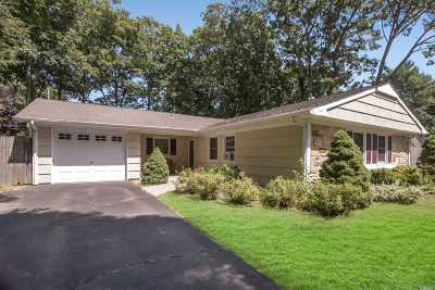 Stony Brook Single Family Home For Sale: 7 Barker Dr
