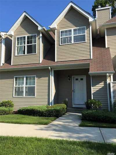 Medford Condo/Townhouse For Sale: 35 Daremy Cir