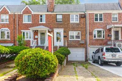 Flushing Single Family Home For Sale: 42-49 195th St