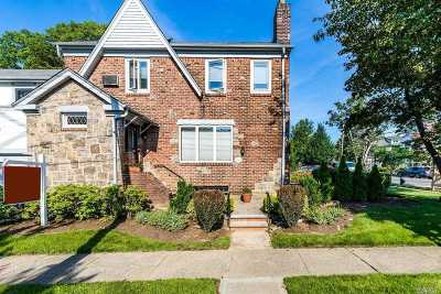 Flushing Single Family Home For Sale: 32-39 166th St