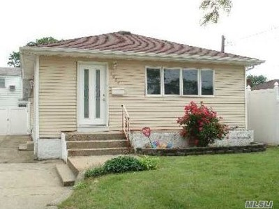 N. Massapequa Single Family Home For Sale: 1084 N Broadway