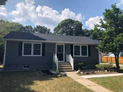 Selden Single Family Home For Sale: 76 Ferndale Ave