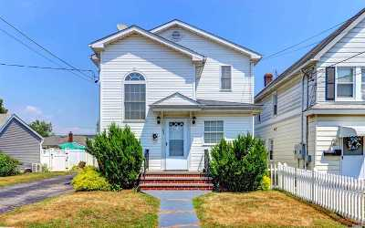 Bethpage Single Family Home For Sale: 64 S 4th St