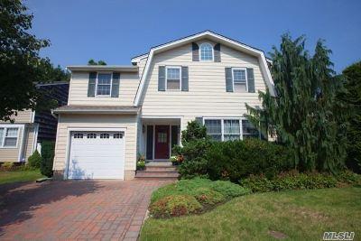 Greenlawn Single Family Home For Sale: 68 Tilden Ln