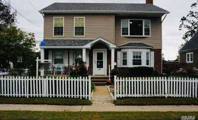 Lynbrook Single Family Home For Sale: 431 Ocean Ave