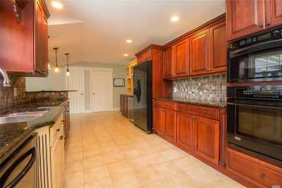 Stony Brook Single Family Home For Sale: 35 Millbrook Dr
