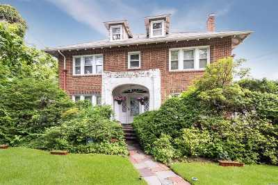 Woodmere Single Family Home For Sale: 920 Browers Point Br