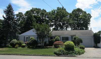 West Islip Single Family Home For Sale: 346 Oakwood Ave
