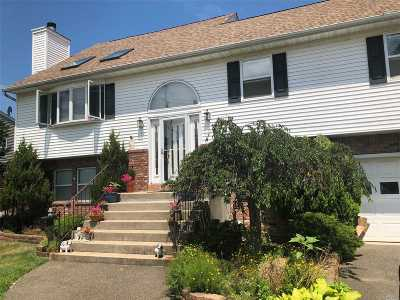 East Islip Single Family Home For Sale: 19 Jefferson St