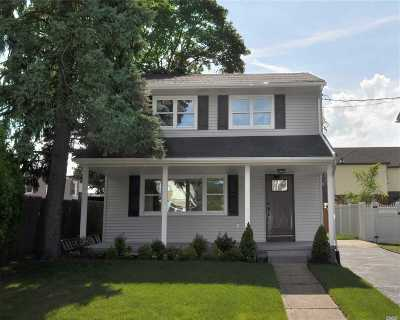 Rockville Centre Single Family Home For Sale: 11 S Kensington Ave