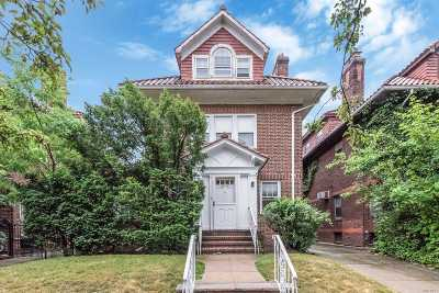 Forest Hills Single Family Home For Sale: 69-06 Dartmouth St