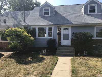 Freeport Single Family Home For Sale: 8 Prato Ct