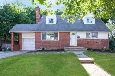 East Meadow Single Family Home For Sale: 1624 Prospect Ave