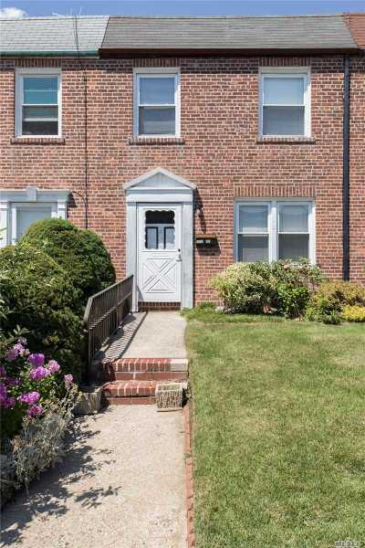 Whitestone NY Single Family Home For Sale: $759,000