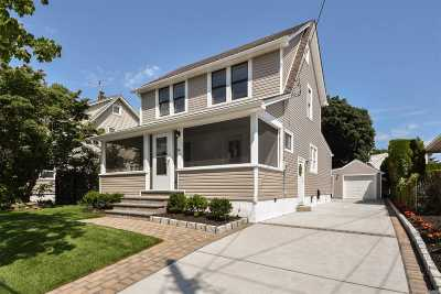 Mineola Single Family Home For Sale: 94 Fairfield Ave