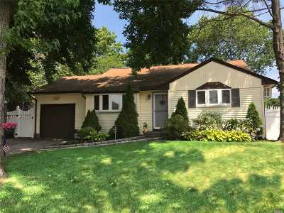Pt.jefferson Sta Single Family Home For Sale: 7 Marlboro Dr
