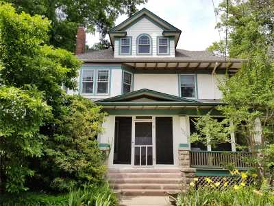Freeport Single Family Home For Sale: 390 Archer St