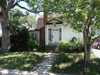 Nassau County Single Family Home For Sale: 57 Ballard Ave